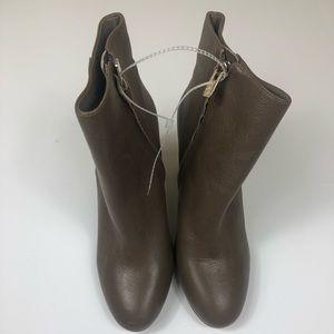 Women's Antonio Melani Size 8.5M Boots